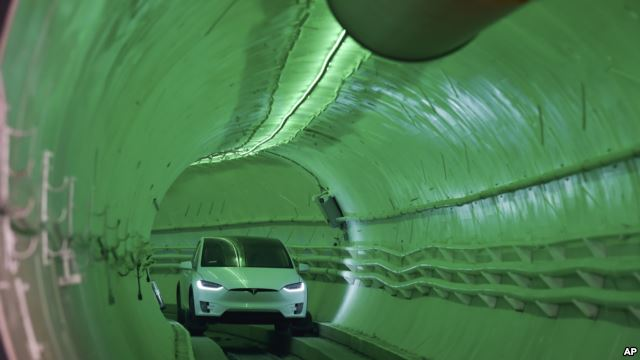 Elon Musk Shows Off High-Speed, Underground Tunnel