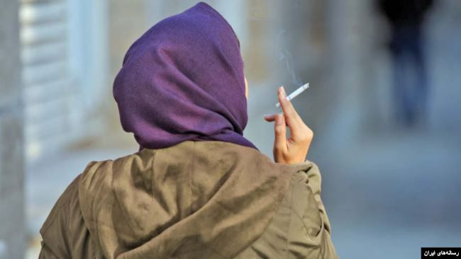Saying that someone 'stopped smoking' cigarettes and 'stopped to smoke' a cigarette have different meanings.